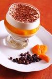 Dessert di gelatina con cioccolato, crema e gelatina Immagine Stock