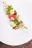 Dessert dinant fin, crème glacée de fraise/kiwi Photo libre de droits
