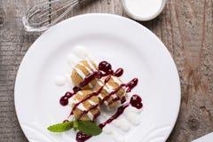 Dessert dolce decorato Immagine Stock
