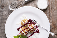 Dessert dolce decorato Fotografia Stock