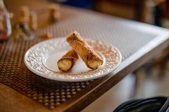 Dessert dolce italiano di Cannoli immagine stock libera da diritti