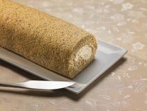Dessert doux de nourriture, gâteau dans l'établissement minimal Image libre de droits