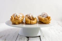 Dessert Eclair met slagroom Royalty-vrije Stock Fotografie