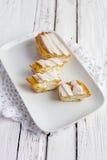 Dessert Eclair met slagroom Royalty-vrije Stock Afbeelding