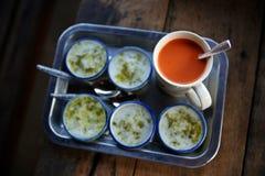 Dessert et thé thaïlandais Photographie stock libre de droits
