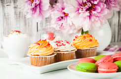 Dessert and flowers Royalty Free Stock Photos