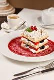Dessert français appétissant de millefeuille Photo stock