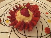 Dessert fresco della fragola Flan della vaniglia Vista superiore Fotografie Stock Libere da Diritti