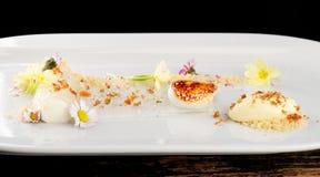 Dessert gastronome dinant fin Photo libre de droits