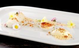 Dessert gastronome dinant fin Photographie stock libre de droits