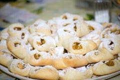 Dessert, gebakken appelenenveloppen Stock Foto