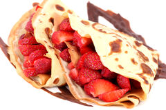 Dessert: isolated pancakes with strawberry and chocolate Stock Photography
