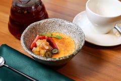 Dessert met kop thee Stock Foto