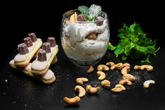 Dessert met okkernoten Stock Foto's