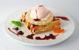 Dessert met roomijs. royalty-vrije stock foto