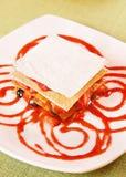 Dessert met verse bessen royalty-vrije stock afbeeldingen