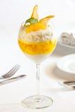 Dessert op witte lijst Royalty-vrije Stock Foto