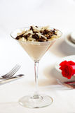 Dessert op witte lijst Royalty-vrije Stock Afbeelding