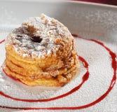 Dessert - pommes cuites au four Photos libres de droits