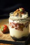 Dessert posé avec la fraise photo libre de droits