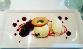 Dessert pranzanti fini Fotografia Stock Libera da Diritti