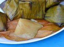 Dessert remplissant bourré de haricot de pyramide de la pâte pendant la nouvelle année chinoise Image libre de droits
