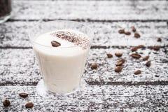 Dessert saporito in vetro Immagini Stock