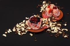 Dessert su una priorità bassa nera 1 Immagine Stock Libera da Diritti