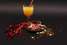 Dessert su una priorità bassa nera 4 Immagine Stock