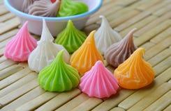 Dessert tailandese della caramella di fascino sul piatto di bambù Immagine Stock Libera da Diritti