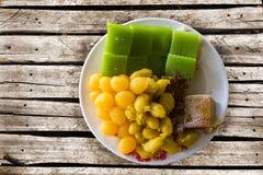 dessert tailandese della miscela sulla tavola di legno Fotografia Stock Libera da Diritti