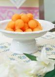 Dessert tailandese tradizionale. Gocce dei rossi d'uovo dell'oro Fotografia Stock