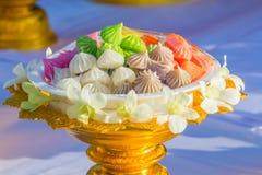 Dessert tailandese variopinto su un vassoio dorato Fotografie Stock