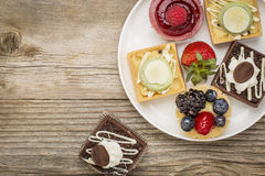 Dessert - tarts with strawberry Royalty Free Stock Images