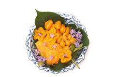 Dessert thaï, bonbons thaïs sur le paraboloïde thaï de lai- Photos stock