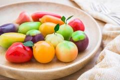Dessert thaïlandais, fruit d'imitation (regard Choup) photo stock