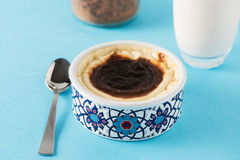 Dessert turco Sutlac del latte con cannella e latte Fotografia Stock Libera da Diritti