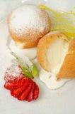Dessert van roomijs bij koekje Stock Afbeeldingen