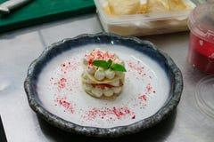 Dessertroom en munt Sluit omhoog Royalty-vrije Stock Afbeeldingen