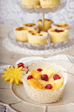 Desserts et fruits assortis Photographie stock libre de droits
