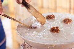 Desserts thaïlandais ; Boulettes cuites à la vapeur de riz-peau photo stock