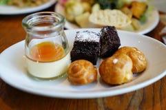 Dessertsplaat Royalty-vrije Stock Afbeeldingen