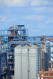 Dessiccateur de grain dans le port photo stock