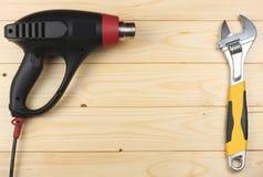 dessiccateur industriel sur le fond en bois clair avec l'espace de copie Vue supérieure texture d'outils Usine le fond photos libres de droits