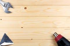 dessiccateur industriel sur le fond en bois clair avec l'espace de copie Vue supérieure texture d'outils Usine le fond photographie stock libre de droits