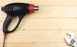 dessiccateur industriel sur le fond en bois clair avec l'espace de copie Vue supérieure texture d'outils Usine le fond photos stock