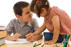 Dessin de deux enfants Photos libres de droits