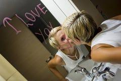 Dessin de femme dans le miroir Photographie stock