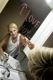 Dessin de femme dans le miroir Photographie stock libre de droits