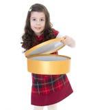 Dessin de fille d'enfant avec les crayons colorés Images stock